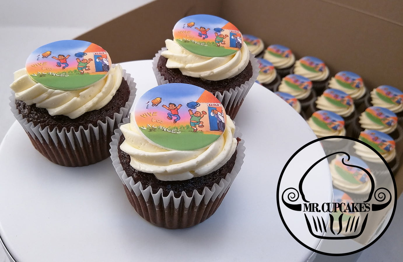 Summer vacation cupcakes